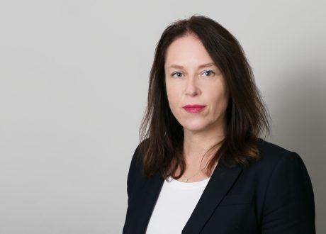 Dr. Christine Avenarius